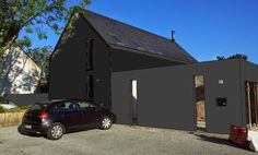 Main building in RAL 9017 ( RGB= 33, 33, 33 / PANTONE = Solid Coated Neutral Black C) Garage in RAL 7016 (RGB= 63, 63, 63 / PANTONE = Solid Uncoated Neutral Black U)