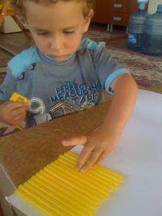 can ve cerenin oyun günlüğü: can'ın 2-3 yaş aktiviteleri Montessori, Infant Activities, Plastic Cutting Board, Toddler Chores, Baby Activities, Childcare Activities, Activities For Kids