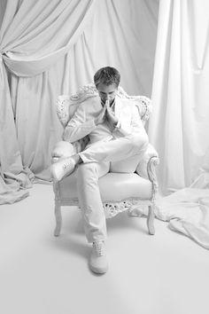 Is Armin van Buuren one of your favourite Djs? Please like and pin it