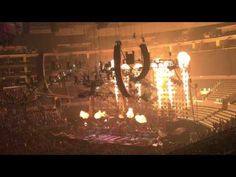 Mötley Crüe - Shout at the Devil Live in 2015 at the Staples Center - YouTube