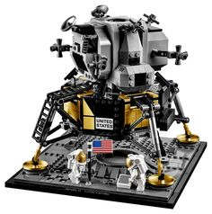Celebrate man's first moon landing with this LEGO Creator Expert 10266 NASA Apollo 11 Lunar Lander building set—developed in cooperation with NASA to mark the anniversary of a historical event that captivated the world. Ashley Wood, Nasa, Apollo 11, Monsters Inc, Silver Surfer, Ghostbusters, Lego Creator, The Creator, Legend Of Zelda