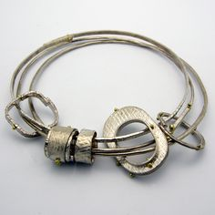 Jewelry | Jewellery | ジュエリー | Bijoux | Gioielli | Joyas | Art | Arte | Création Artistique | Artisan | Precious Metals | Jewels | Settings | Textures | Nichole Collins.