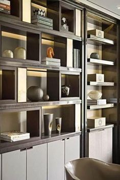 A very chic and clean custom wall unit with perfect lighting and a sleek and zen mix of special interest books and glass objects. Luxury Interior, Modern Interior Design, Room Interior, Interior Design Living Room, Interior Styling, Interior Decorating, Shelving Design, Shelf Design, Cabinet Design