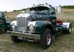Trucks with a beard: Photo Old Mack Trucks, Big Rig Trucks, Cool Trucks, Semi Trucks, Train Truck, Jeep Truck, Pickup Trucks, Antique Trucks, Vintage Trucks
