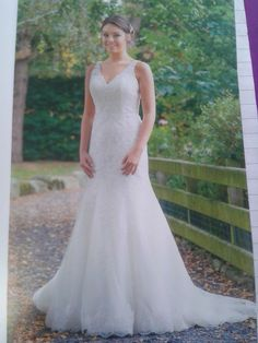beautifull  dress 2 layers of lace that sparkle when you move