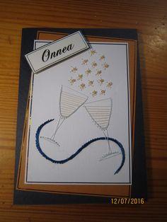 Ensimmäinen kirjailtu kortti johon yhdistin helmiä ompelemalla. Sittemmin ole siirtynyt pitkälti liimattaviin helmiin.