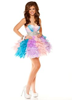 Pastel Rainbow Feather Party Dress from Rissy Roo's. Saved to Trendy Dresses. Trendy Dresses, Short Dresses, Formal Dresses, Pastel Prom Dress, Dress P, Party Dress, Rainbow Outfit, Little Fashion, Prom Night