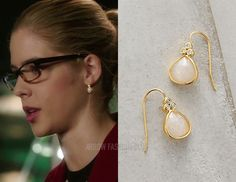 "Felicity wears Anthropologie in 5x10 ""Who Are You?"""