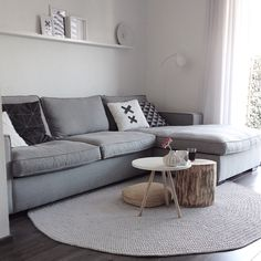 93 Best Contemporary Living Room Furniture Ideas Reflecting Your Modern Day Lifestyle 57 - Bestplitka Inc - Bestplitka Inc Decor, Carpet Design, Round Rug Living Room, Home Living Room, Contemporary Living Room, Contemporary Living Room Furniture, Rugs In Living Room, Round Carpet Living Room, Room Interior