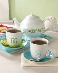 It's tea time anytime when your serving set is this adorable. Stencil looped script letters onyour cups and kettle for A+ style.Get the Looped Script Letter Project How-ToVisitMichaels Storesto see the full line of Martha Stewart Crafts glass paint and supplies.