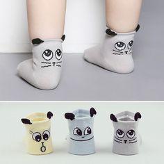 Ебет девочку в носочках