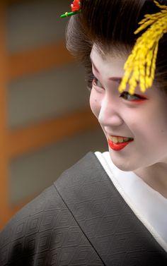 芸妓 geiko つね桃 tsunemomo 祇園東 KYOTO JAPAN