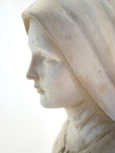 Tall Saint Therese of Lisieux Plaster Statue Mother Of Christ, Blessed Mother Mary, Blessed Virgin Mary, Madonna, Sainte Therese De Lisieux, Art Beauté, Queen Of Heaven, Santa Teresa, Santa Maria