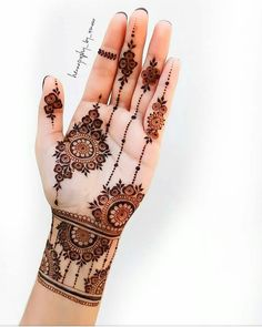Henna Tattoo Designs Simple, Floral Henna Designs, Latest Bridal Mehndi Designs, Finger Henna Designs, Full Hand Mehndi Designs, Henna Art Designs, Mehndi Designs For Beginners, Mehndi Designs For Girls, Mehndi Design Photos