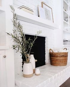 Modern farmhouse fireplace. Fireplace DIY makeover.