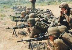 Infantry school LMG's at the shootng range Troops, Soldiers, Military Branches, Brothers In Arms, Military Training, Defence Force, Mystery Of History, Semper Fi, My Land