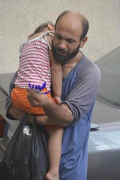 Viral Photo Of Syrian Refugee Prompts Hundreds Of Strangers To Help Give Him 'A New Life'