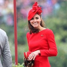 Epitomy of British style - Kate looking fantastic.