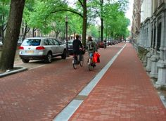 Why protected bike lanes should be called protected bike lanes (not cycle tracks, separated bike lanes, etc) : TreeHugger