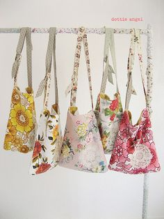 dottie angel makes bags from adorable vintage fabric Fabric Crafts, Sewing Crafts, Dottie Angel, Creation Couture, Fabric Bags, Love Sewing, Sewing Projects For Beginners, Sewing Patterns Free, Free Pattern