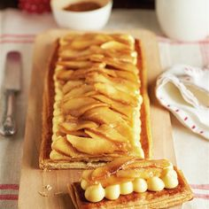 Tarta de hojaldre, crema y manzana caramelizada Food N, Food And Drink, Sweet Cooking, Pastry Cake, Sweet Cakes, No Bake Desserts, Sweet Tooth, Cheesecake, Sweets