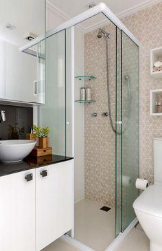 Trendy home small bathroom medicine cabinets Small Bathroom Layout, Modern Bathroom, Shower Makeover, Small Toilet, Tiny Bathrooms, Toilet Design, Bathroom Design Luxury, Interior Stairs, Bathroom Styling