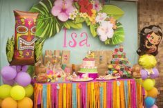 Isa's Birthday Luau   CatchMyParty.com - The hanging flower sign. Looove!