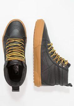 49104bad4ce891 Schoenen Vans UA SK8-HI MTE - Sneakers hoog - black Zwart  € 109