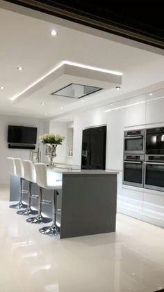 Luxury Kitchen Design, Kitchen Room Design, Home Decor Kitchen, Interior Design Kitchen, Modern Interior, Kitchen Ideas, Kitchen Ceiling Design, Interior Ideas, Decorating Kitchen