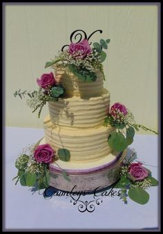 Buttercream and Roses - Cake by Michelle