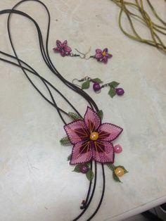 KADRİYE Turkish Art, Needle Lace, Tatting, Diy And Crafts, Wreaths, Asd, Crochet, Flowers, Couture