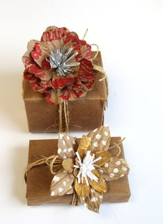 Learn how to create beautiful, unique and free gift wrap with these unique paper flower gift toppers made from grocery bags! Paper Bag Flowers, Flower Cards, Paper Roses, Paper Bag Wrapping, Wrapping Gifts, Wrapping Ideas, Sisal, Paper Grocery Bags, Print On Paper Bags
