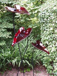 Glass & steel Garden Or Yard / Outside and Outdoor sculpture by artist Lynette Forrester titled: 'Glass Leaves (Glass and Steel Arum Leaves garden Yard statue)'