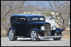 1932 Ford Sedan Street Rod Chopped Top for sale by Mecum Auction Classic Trucks, Classic Cars, Classic Hot Rod, 1932 Ford, Us Cars, Street Rods, Custom Cars, Vintage Cars, Hot Rods