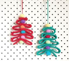 Crochet Ribbon Christmas Tree FREE crochet pattern ||| poppyandbliss