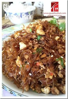 Glass Noodles Stir Fry with Minced Meat (肉末冬粉) Recipe Noodle Recipes, Meat Recipes, Asian Recipes, Cooking Recipes, Ethnic Recipes, Chinese Recipes, Dishes Recipes, Entree Recipes, Recipes