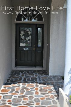 toss up between where to pin--great idea or home improvement-- Spray Painted Patio. Use a concrete stepping stone mold as a stencil and spray paint away. Painted Concrete Porch, Concrete Front Porch, Painting Concrete, Concrete Patio, Concrete Sealer, Concrete Floor, Diy Painting, Patio Slabs, Flagstone Patio