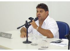 Bodão assume como presidente da Câmara de Claraval http://www.passosmgonline.com/index.php/2014-01-22-23-07-47/politica/4158-bodao-assume-como-presidente-da-camara-de-claraval