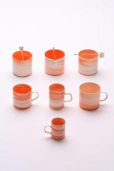 "Inhwa Lee ""Shadowed Color - Mugs"" Porcelain, Pigment, Marbling, Wheel throwing, 1280℃ Oxidation Firing, Polishing. Tea spoons by Youjin Koh"