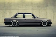 BMW E30 3 series grey slammed