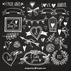Elementos desenhados mão do amor no quadro-negro Vetor grátis
