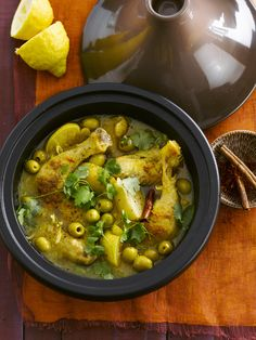 Chicken tajine with fennel and candied lemon - chicken Gourmet Recipes, Cooking Recipes, Healthy Recipes, Food Film, Chicken With Olives, Food Test, Lemon Chicken, Chicken Fennel, International Recipes