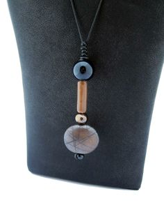 DOT necklace. Bronze.    Design: Malin Jansson