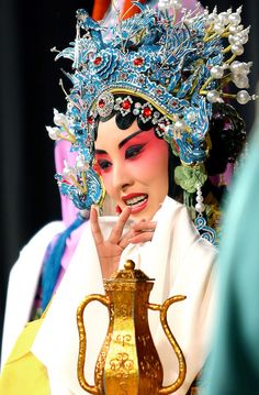 Dress every day like you are a Peking Opera star