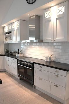 Excellent kitchen ideas are available on our internet site. look at this and you wont be sorry you did. Farmhouse Kitchen Decor, Home Decor Kitchen, Kitchen Interior, Interior Design Living Room, Home Kitchens, White Kitchen Cabinets, Kitchen Tiles, Kitchen Countertops, Kitchen Sets