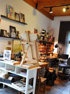 appears no different from a galloping horse: Where Bloggers Create.... Studio Tour... I have a spot just for you!