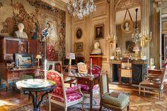 Adorable 99+ Elegant French Style Apartment Design Ideas https://homstuff.com/2017/06/15/99-elegant-french-style-apartment-design-ideas/