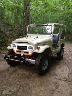 "Toyota Land Cruiser ~WHEN I SOLD M' IN --THE 70's WE CALLED THIS A ""LAND CRUSHER"" (axles big as ball bats)"