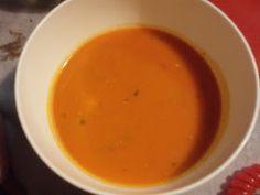 donabimby: Creme de tomate e coentros