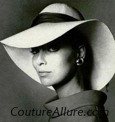 Couture Allure Vintage Fashion  Vintage Hats - 1970 Vintage Hats fc25db46dc51